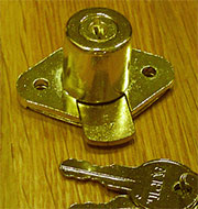 (B) Desk Drawer Lock 2 Keys L-2066P Brass Plated