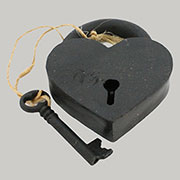 Heart Shaped Cast Iron Pad Lock in Black HA-1582-2