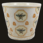 Bee Medallion White Cachepot HA-7031-18