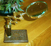 Brass Magnifying Glass on a Scissor Stand UDA-1116