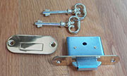 Roll Top Desk Lock 2 Keys and Lock Plate Plate BM-6550 L-672 No Key Hole Cover.